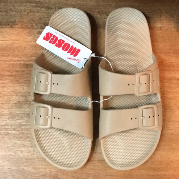 056069ca1 freedom moses Shoes | Brand New Sandals Sands | Poshmark